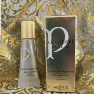 Cle De Peau Protective Fortifying Emulsion SPF 22